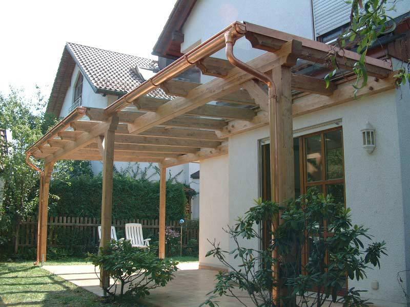 Terrassenüberdachungen aus Holz mit Regenrinne aus Kupfer
