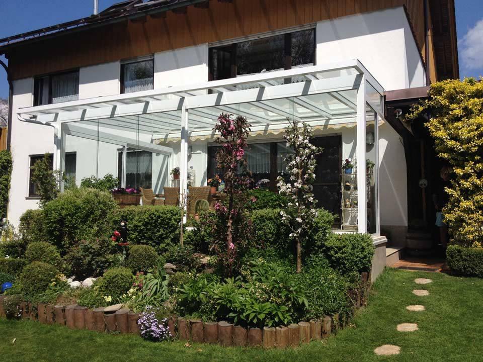 Terrassenüberdachungen aus weißem Metall und Glas von Stefan Lutz Überdachungen