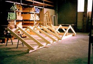 Holzüberdachung aus eigener Herstellung
