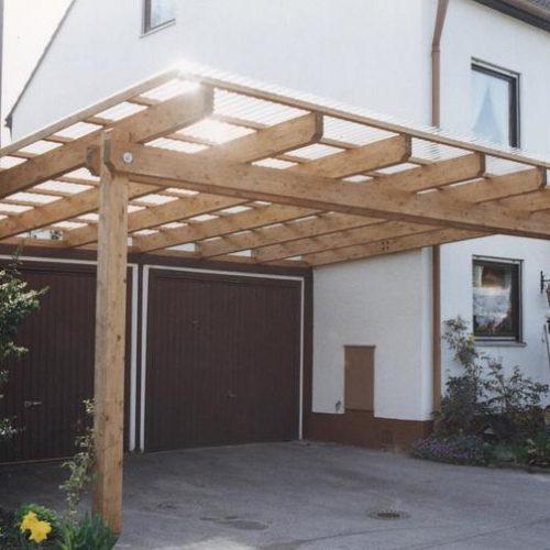 Carport aus Holz für zwei Garagentore von Stefan Lutz Überdachungen