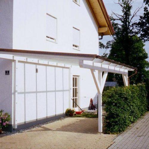 weißes Carport von Stefan Lutz Überdachungen in München
