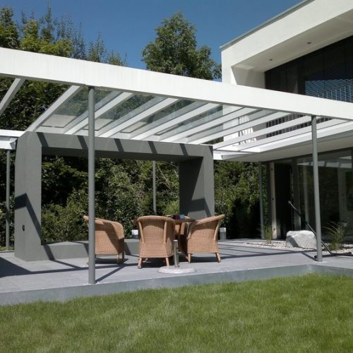 modernes Terrassendach aus Aluminium