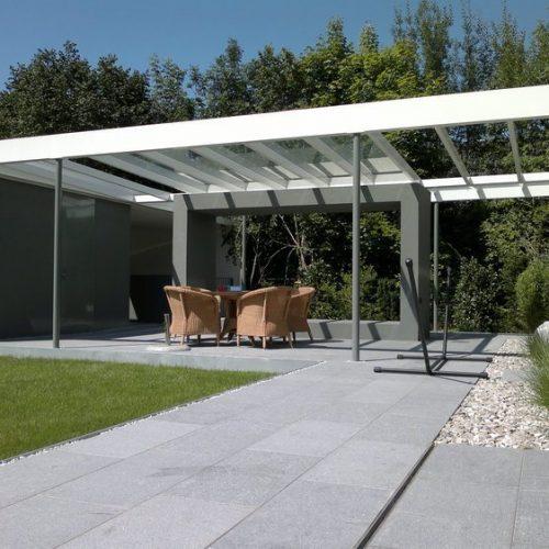 Terrassendach aus Aluminium in moderner Optik