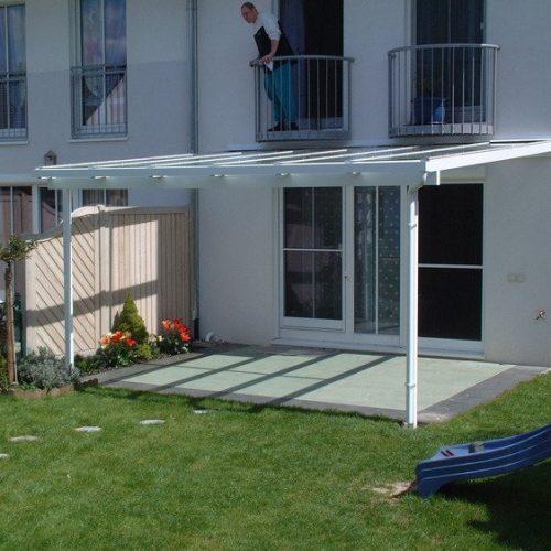 Terrassendach seitlich betrachtet
