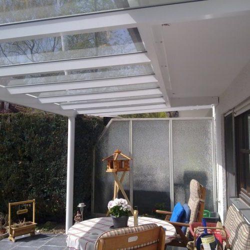 Terrassendach aus Aluminium von innen