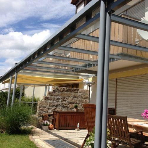 Terrassenüberdachung, flach mit Glas