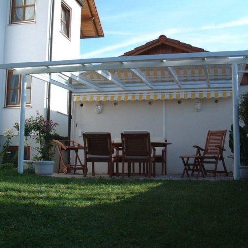 Terrassendach Aluminium, flach und weiß