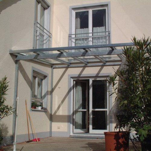 Terrassendach aus Aluminium, Frontansicht