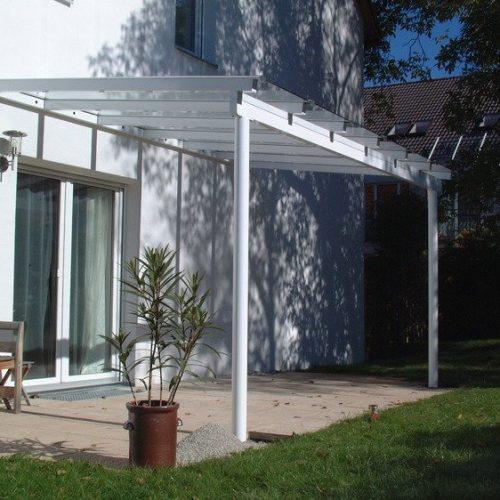 individuelles Terrassendach aus Aluminium