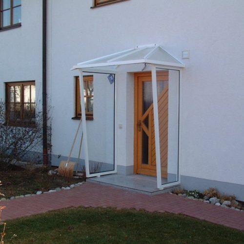 Vordach mit Seitenteilen rechts und links von Stefan Lutz Überdachungen