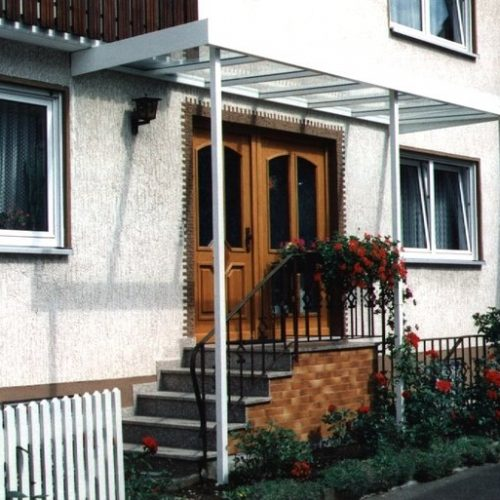 Vordach für Treppe und Haustür