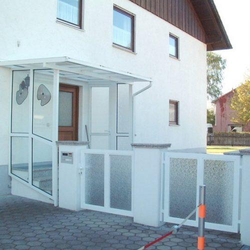 Verglastes Haustürvordach von Stefan Lutz Überdachungen