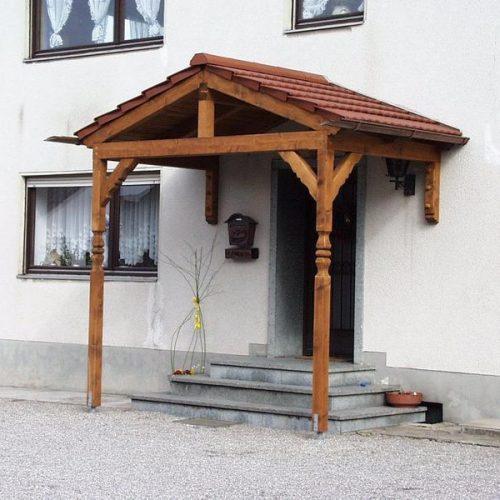 individuelles Holzvordach für Ihre Haustüre