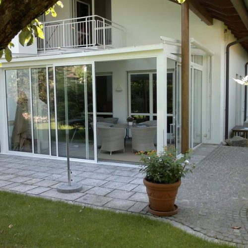 Verglaster Wintergarten mit Schiebeelementen von Stefan Lutz Überdachungen